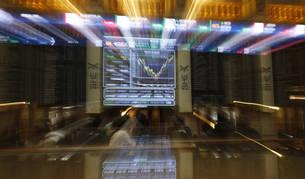 El IBEX rebota un 1,3%  y se aferra a los 8.600 enteros