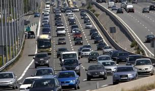 Tráfico denso, en sentido salida de Madrid, en la A-6.
