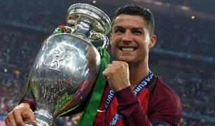 Cristiano celebra la Eurocopa.