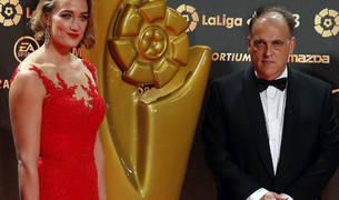 Javier Tebas, junto a la nadadora Mireia Belmonte, en los premios de la Liga de ayer.