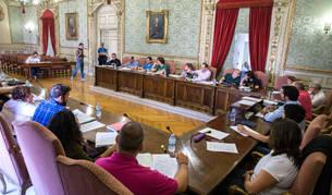 Ediles del ayuntamiento en el último pleno celebrado en la capital ribera.