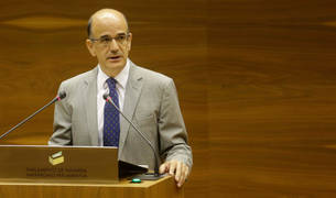 Foto del portavoz de UPN en la comisión parlamentaria de Educación, Alberto Catalán.