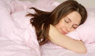 Un adulto debe dormir entre 7 y 9 horas todos los días.