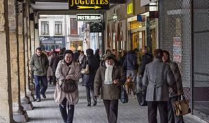 El aumento de la actividad comercial en Navidad es una fuente de empleo.