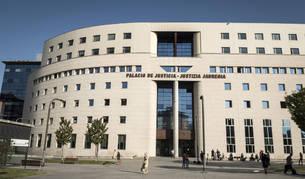 Imagen de la fachada de la Audiencia Nacional de Pamplona