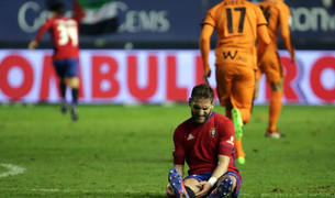 Fausto Tienza, dolorido en el partido contra el Eibar.