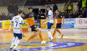 Imágenes del partido entre el Aspil Vidal Ribera Navarra y el Ríos Renovables Zaragoza, en el que el equipo navarro ganó al aragonés por 4-2.