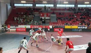 Imagen del partido Benfica-Helvetia Anaitasuna.