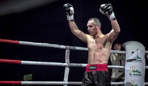 Rubén Díaz celebra la victoria en su último combate, celebrado en Olaz, el pasado noviembre.