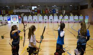La Universidad de Navarra acogió 190 arqueros durante el pasado fin de semana en el Campeonato de España cadete y de menores de 14 años organizado por el Club Lekarri.