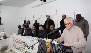 Imagen de parte de los asistentes al encuentro interreligioso que tuvo lugar en el Centro Lasa.
