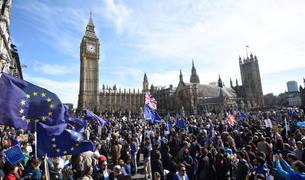 Miles de personas en Londres le dicen 'no' al 'brexit'