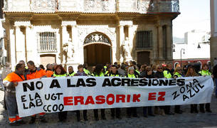Trabajadores de la Zona Azul de Pamplona exigen medidas contra las agresiones