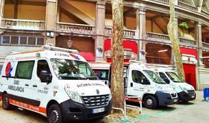 Ambulancias de Alerta Sanitarios el pasado año junto a la Plaza.
