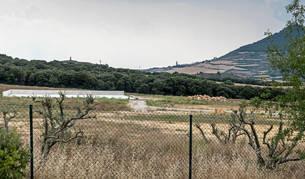 La planta de Arena está situada en término de Ázqueta, concejo del Ayuntamiento de Igúzquiza.