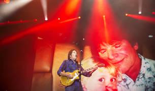 Fogerty reaviva la ola de calor en la apertura del Azkena Rock