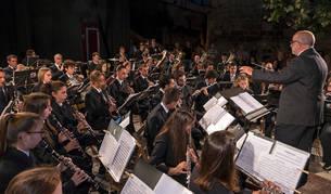Imagen de la banda de música de Estella, en el concierto ofrecido este jueves a partir de las 22 horas en el corazón del barrio monumental.