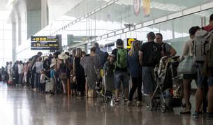Foto del aeropuerto de Barcelona-El Prat ha vuelto a registrar colas de hasta una hora en los controles de seguridad.