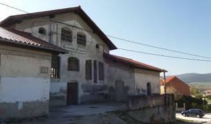 Imagen del aspecto actual del matadero, tras restaurarse la cubierta.