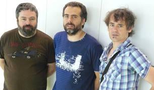 Javier López Jaso (acordeón), Marcelo Escrich (contrabajo) y Luis Giménez (guitarra), quienes interpretarán varios de sus temas