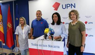 Foto de los ediles de UPN Anichu Agüera, Félix Zapatero, Natalia Castro y Gloria González.