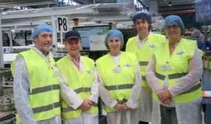 foto de Autoridades en la visita a las instalaciones de Iberembal.