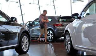 Los compradores navarros cada vez se lo piensan más a la hora de elegir entre diésel o gasolina.