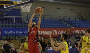 Adrián García fue el máximo anotador del Basket Navarra con 19 canastas ante el Real Canoe.