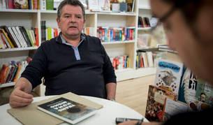Imagen de Antonio Diéguez este martes en la librería Auzolan.