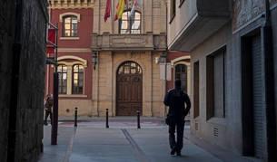 Imagen de la fachada principal del Ayuntamiento de Estella, en el paseo de la Inmaculada.