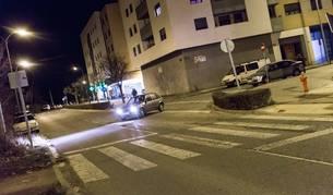 Paso de peatones donde se produjo el atropello de un ciclista.