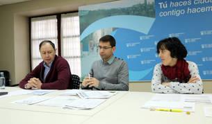 De izquierda a derecha, José Ángel Andrés, Rubén Domínguez y Marisa Marqués, en la rueda de prensa.