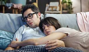 Berto Romero y Eva Ugarte en una escena de la serie.