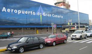 Foto del exterior del aeropuerto de Gran Canaria.