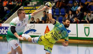 foto de El jugador internacional Antonio Bazán ha renovado con Anaitasuna hasta junio de 2020.