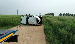 El coche en el que viajaba el menor fallecido volcó en un camino rural.
