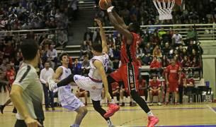 Imagen del tercer partido disputado el viernes entre Basket Navarra y HLA Alicante en Arrosadía