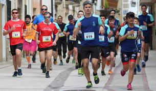 Más de 750 personas corrieron o caminaron por el centro de Allo.