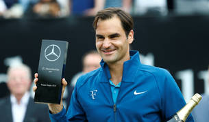 Federer gana en Stuttgart