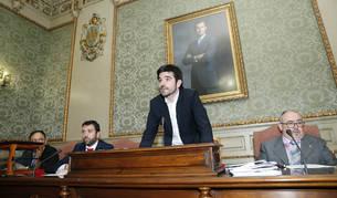 Eneko Larrarte, en el centro, el día que tomó posesión como alcalde de Tudela.