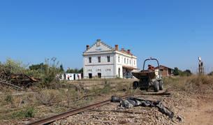 Las máquinas ya se encuentran trabajando en las antiguas vías del tren junto a la estación que tuvo Corella.carasusán.