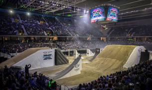 Cerca de 7.000 espectadores vivieron en directo el espectáculo ayer.