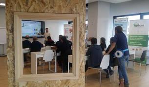 foto de Diecisiete empresas navarras participan en el proyecto pionero a nivel nacional que se imparte en las instalaciones  de Onhaus.