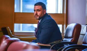 El hispano-estadounidense Pablo Ibar asiste a la fase oral del cuarto juicio al que es sometido, en el tribunal del condado Broward, en Fort lauderdale, Florida (EE UU).
