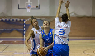 Cecilia Liñeira, máxima anotadora del Ardoi, en un partido anterior.