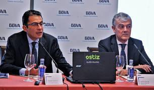 Miguel Cardoso, economista jefe para España de BBVA Research, y Carlos Gorría, director de la Territorial Norte de BBVA.