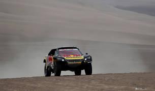 Al-Attiyah roza el triunfo en coches y Loeb se adjudica la octava etapa del Dakar
