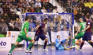 El portero del Barça Paco Sedano se convirtió en el protagonista de la semifinal de 2015 que perdió el Magna en Ciudad Real.