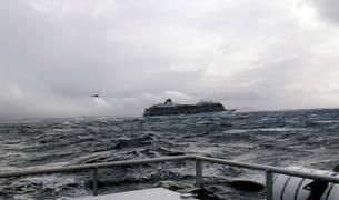 foto de El crucero Viking Sky será remolcado mientras sigue la evacuación del pasaje
