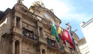 Fachada del Ayuntamiento de Pamplona.